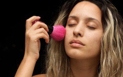 Cuidados com a pele na hora da maquiagem