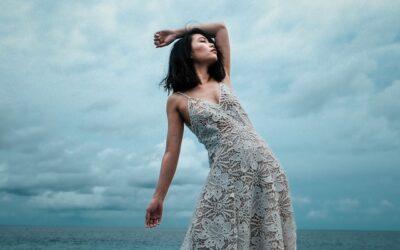 Vestido slip dress: delicadeza e romantismo